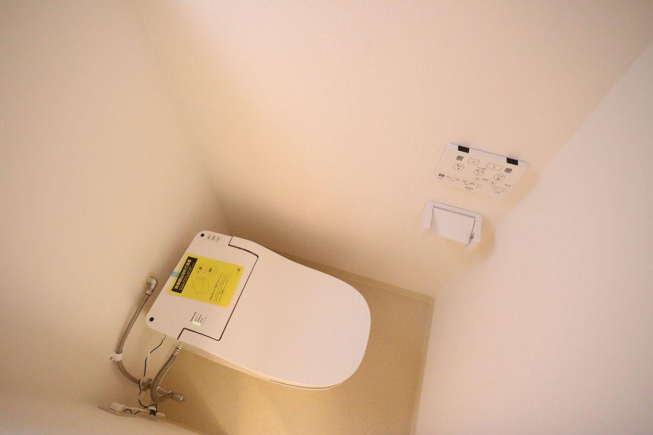 タンクレストイレ、リモコン付きです。